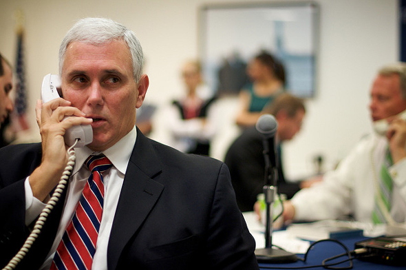 Mike Pence'ten Kıbrıs telefonu