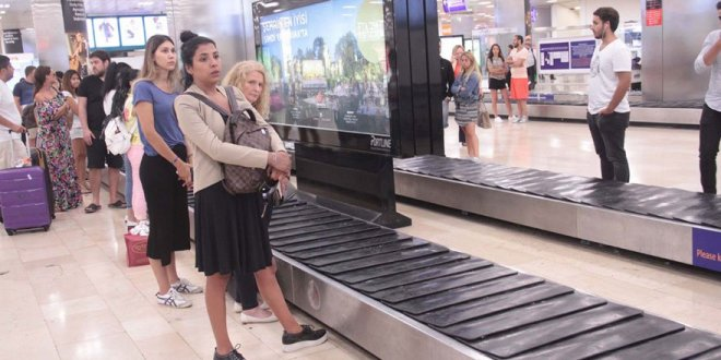 Deprem tatilcileri geri döndürdü