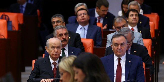 """Tezkan: """"Meclis'in sesi kısılıyor, anlaşılmaz olan MHP'nin desteği!"""""""