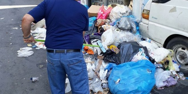 İşçiler greve gitti Şişli'yi çöp bastı