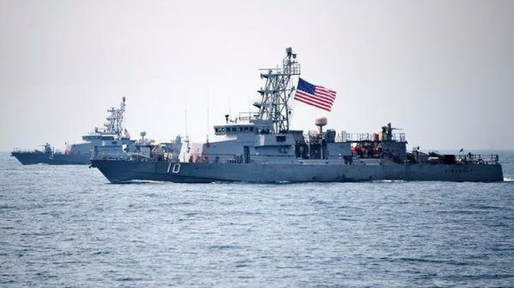 ABD, İran gemisine ateş açtı