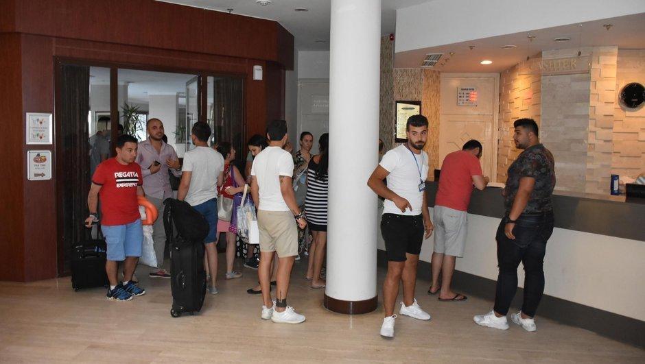 Muğla'da 400 turist otelden atıldı