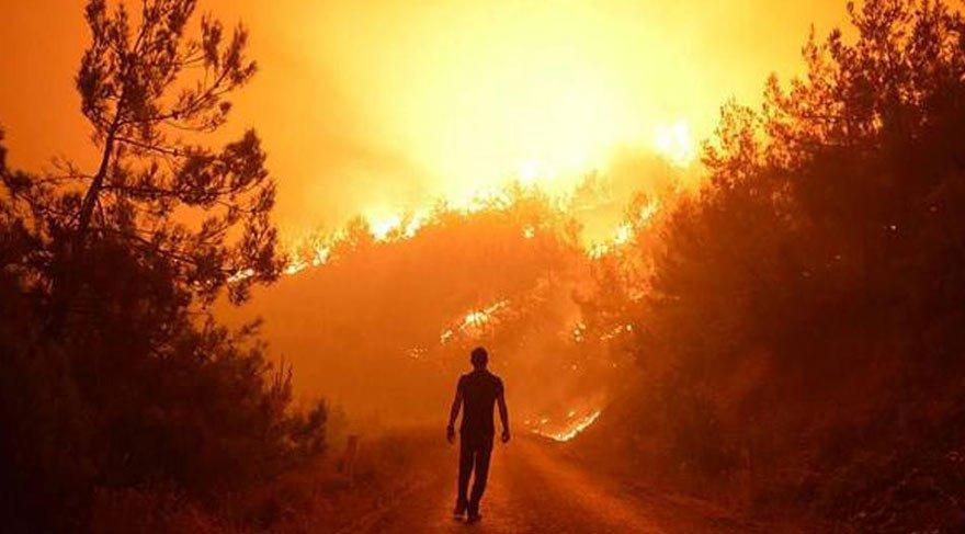 İzmir'deki yangın söndürülemiyor