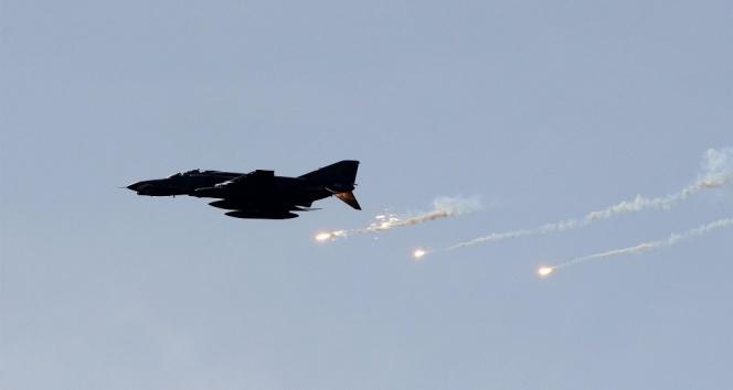 ABD, Suriye'yi vurdu: 10 ölü