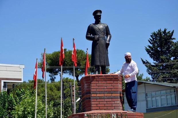 """""""Atatürk'e saldırı bir provokasyon            değildir"""""""