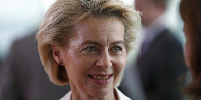 Alman Savunma Bakanı'ndan flaş açıklama