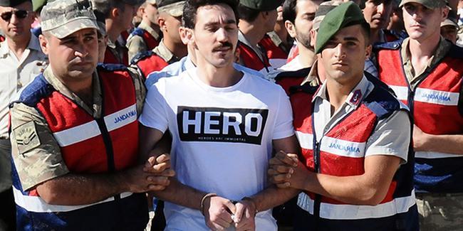 'Hero tişörtü'nde flaş gelişme