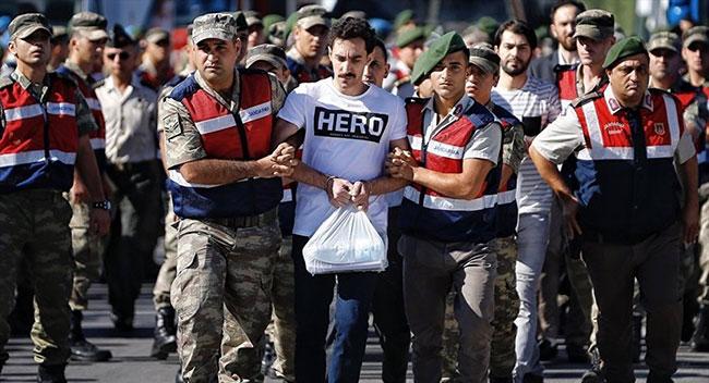 'Hero' tişörtü giyen FETÖ'cünün avukatı tutuklandı