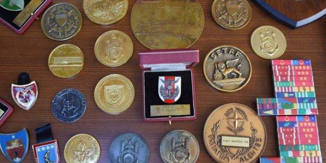 Genelkurmay Başkanı'nın madalyaları bit pazarından çıktı