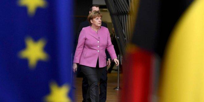 """Merkel: """"Kuzey Kore-ABD savaşı çıkarsa..."""""""