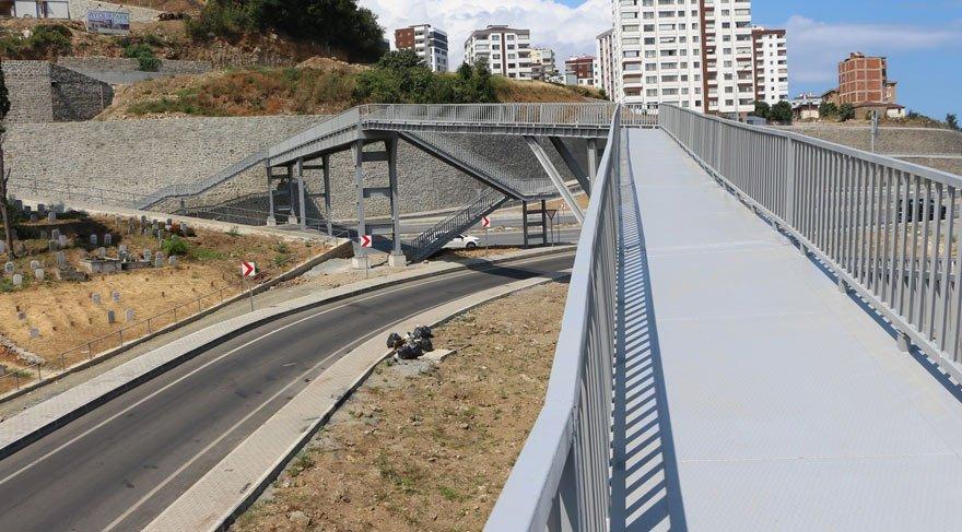 Trabzon'da Karadeniz usulü tehlikeli köprü