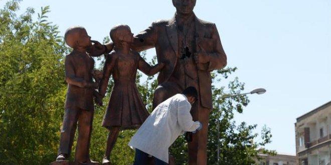 Atatürk anıtına saldırıda flaş gelişme