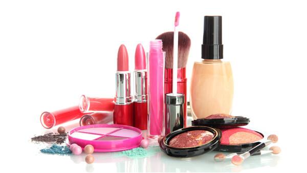 Hastalık saçan kozmetik ürünlerine dikkat