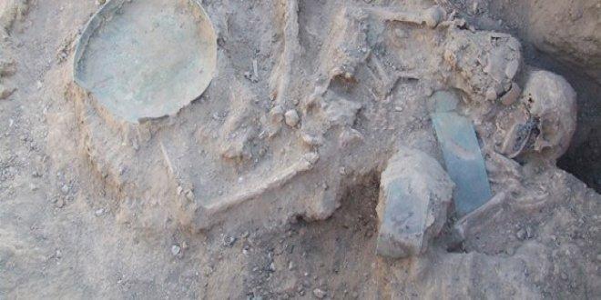 2 bin 750 yıllık Urartu mezarlığı gün yüzüne çıktı