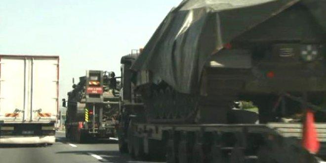 TEM'de askeri araç geçişi