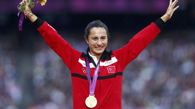 Milli atlet Aslı Çakır'a ömür boyu men