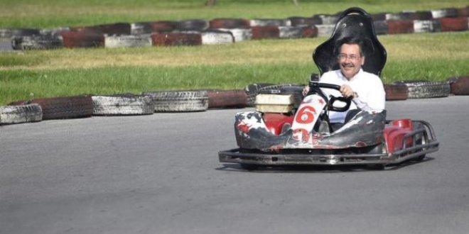 Melih Gökçek Go-Kart'a bindi!..