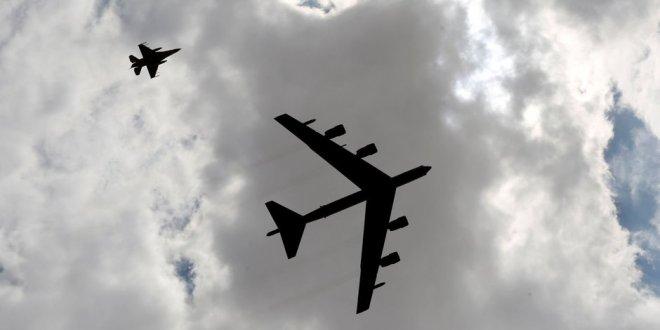 ABD savaş uçakları Kuzey Kore sınırında uçtu