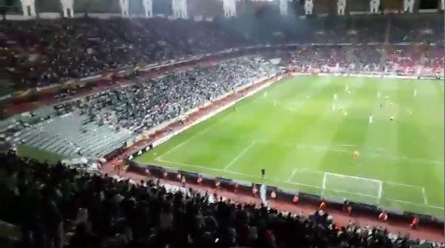 Konyaspor tribünleri İzmir Marşı'yla inledi!