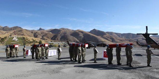 Irak şehitleri için Hakkari'de tören