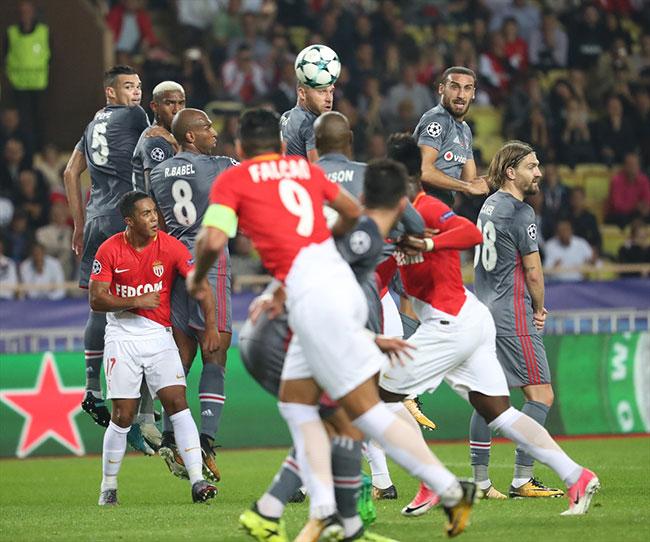 Beşiktaş Fransa'da tarih yazdı