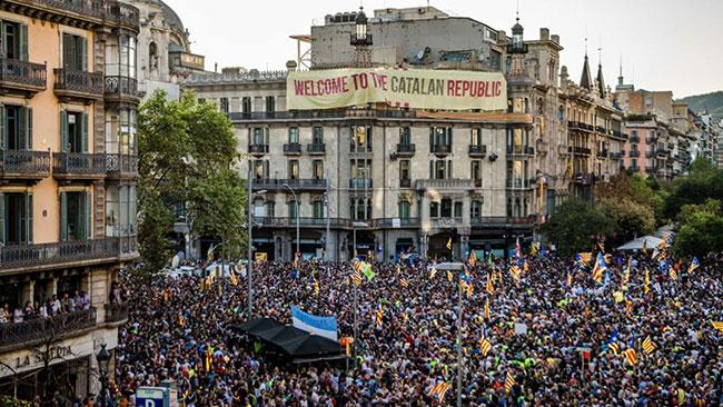 Katalonya'nın özerkliği fesh edildi
