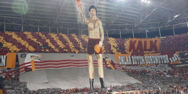 Galatasaray'dan o pankartlarla ilgili açıklama!