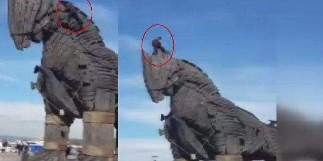 Truva Atı'ndan düştü hayatını kaybetti