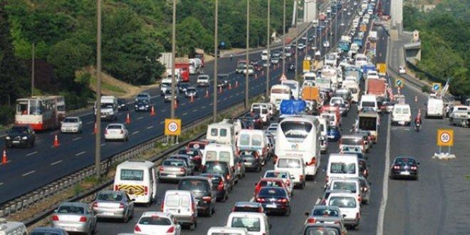 FSM'de iki şerit trafiğe kapatıldı