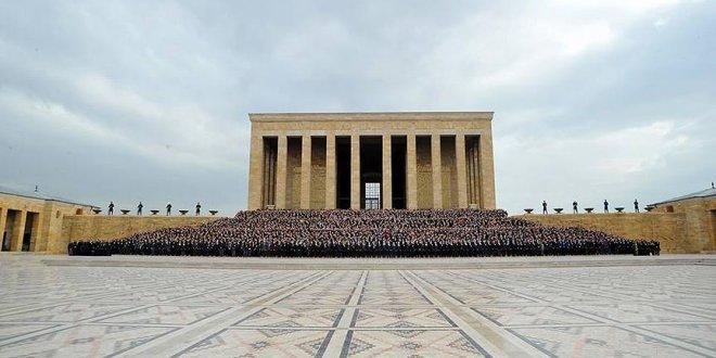 5 bini aşkın ASELSAN çalışanı Anıtkabir'de
