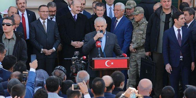 Yıldırım vatandaşı Kürtçe selamladı