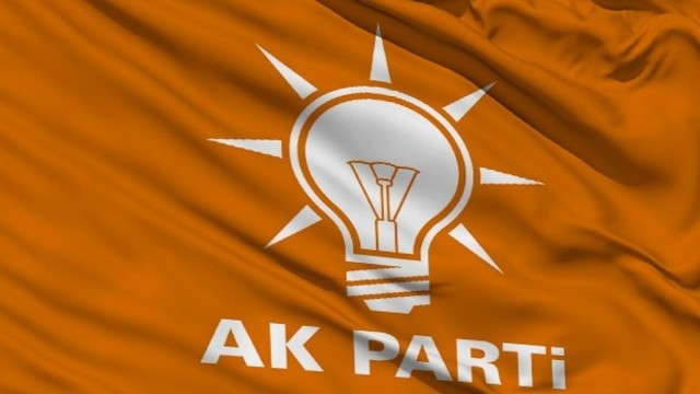 AKP'de 3 il başkanı istifa etti