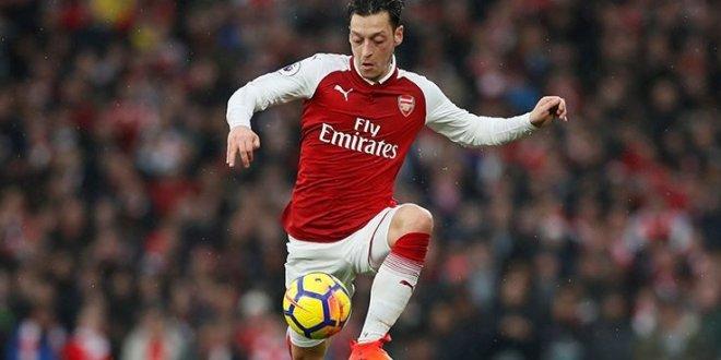 Katalanlar duyurdu: Mesut Özil Barcelona'da