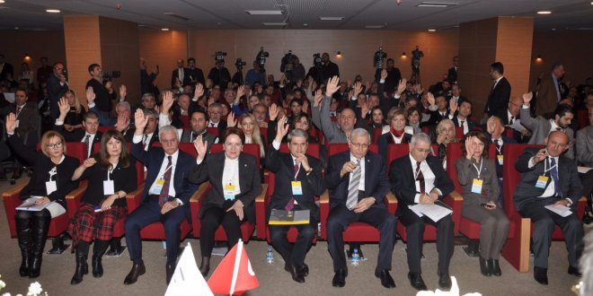 Meral Akşener, İYİ Parti'nin ilk kongresinde konuştu