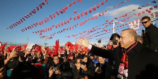 """Erdoğan: """"ABD herhalde pazularına güveniyor"""""""