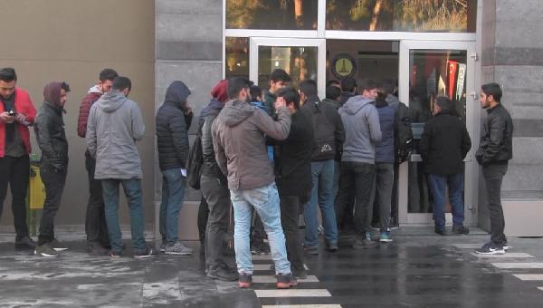 Üniversite öğrencilerine 200 lira desteğe 10 binin üzerinde başvuru