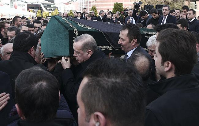 İTO Başkanı İbrahim Çağlar'ın tabutunu Erdoğan omuzladı