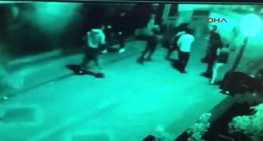 Özel Harekat Polisi, kendisine saldıran bar çalışanlarını vurdu
