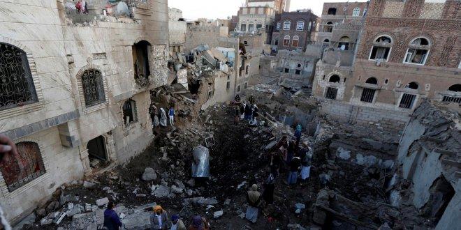 Suudi Arabistan, Yemen'i vurdu