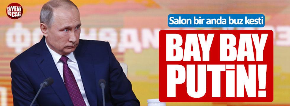 Putin'in geleneksel toplantısında ' Bay bay Putin' mesajı