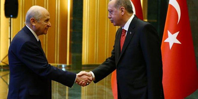 Bahçeli'den Erdoğan'a Kudüs tebriği