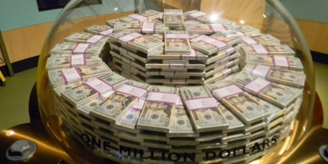 14 arkadaşına 1'er milyon dolar hediye etti