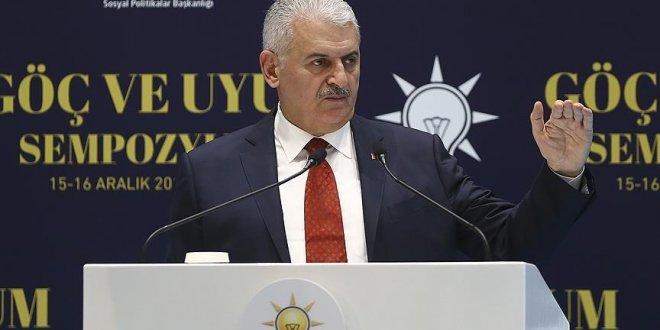 """Başbakan Yıldırım, """"Suriyelilerin 976 bini okul çağında"""""""