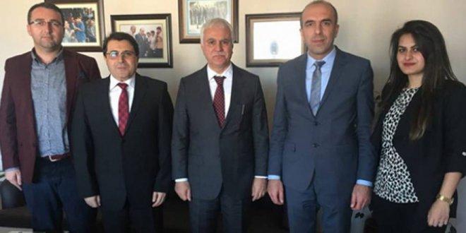 AKP'den istifa etti İYİ Parti'ye katıldı