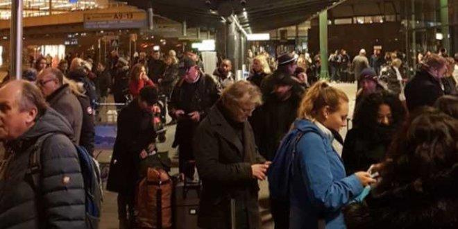 Hollanda'da polis saldırganı vurdu