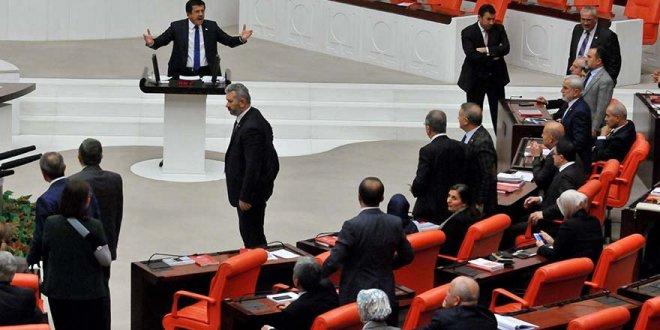 "Meclis'te ""Hain, alçak"" tartışması"