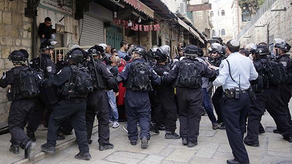 İsrail polisi 2 Türk'ü gözaltına aldı