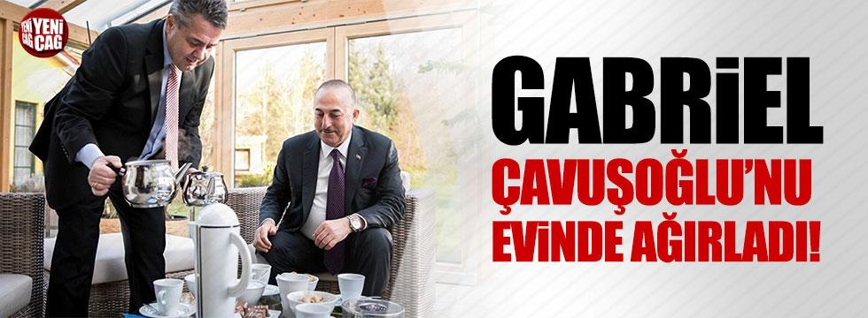 Almanya Dışişleri Bakanı Gabriel, Çavuşoğlu'nu evinde ağırladı