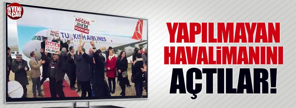 Niğde'de yapılmayan havalimanına protestolu sembolik açılış