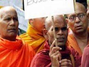 Myanmarda 80 rahip serbest